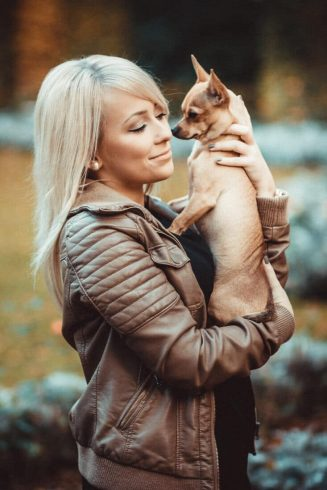 outdoorshooting-model-mit-hund